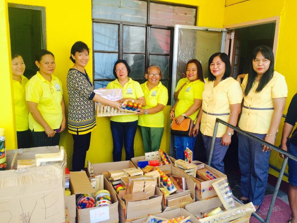 Distribution of Learning materials for all the day care pupils  (1)