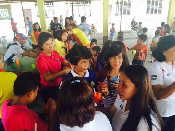 Feeding program at Ariston-Bantog Elem (8)