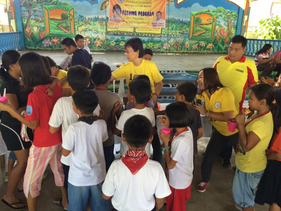 Feeding program at Sanchez-Cabalitian Elementary (1)