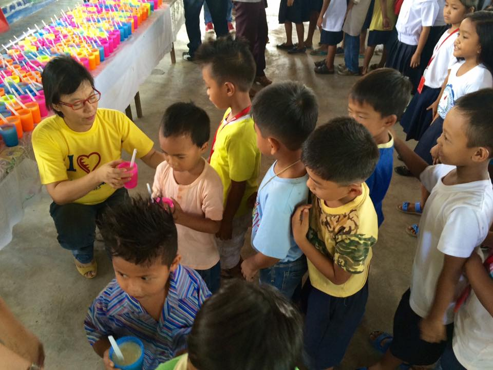 Feeding program at Sanchez-Cabalitian Elementary (11)