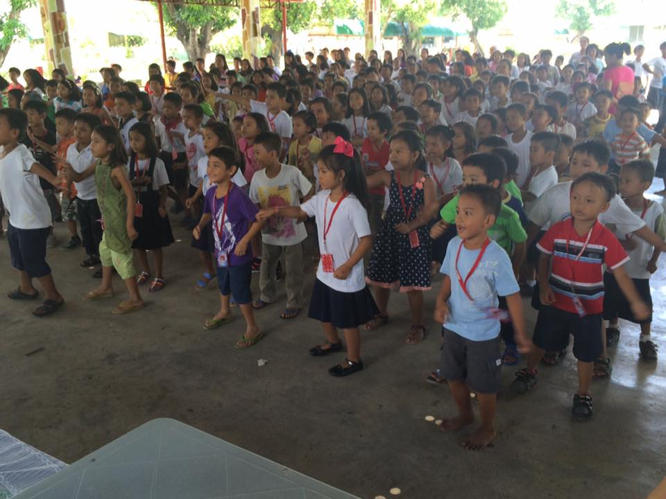 Feeding program at Sanchez-Cabalitian Elementary (12)