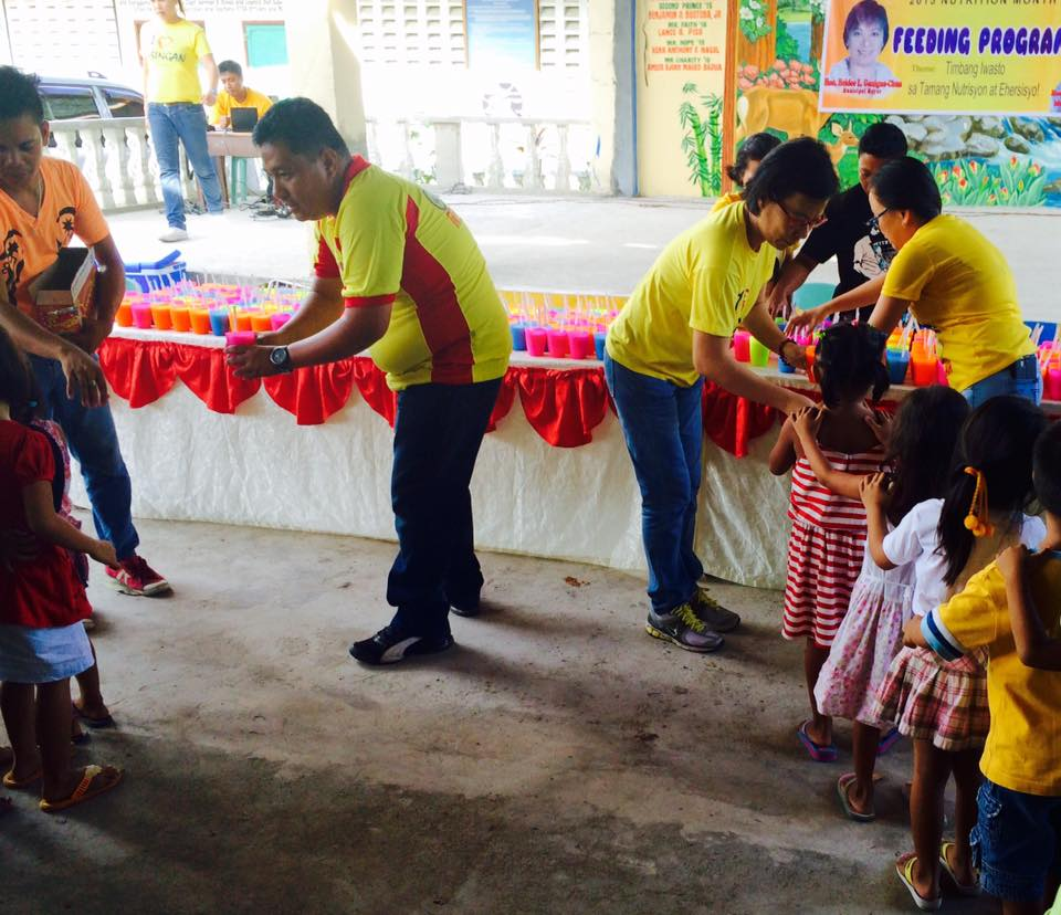 Feeding program at Sanchez-Cabalitian Elementary (13)