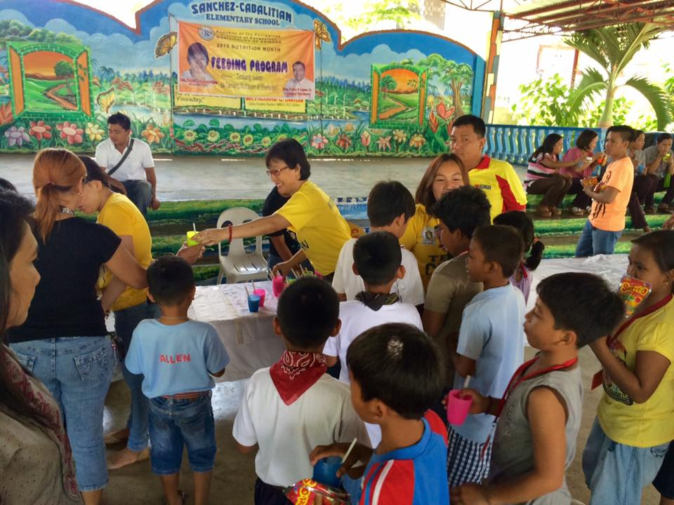 Feeding program at Sanchez-Cabalitian Elementary (15)
