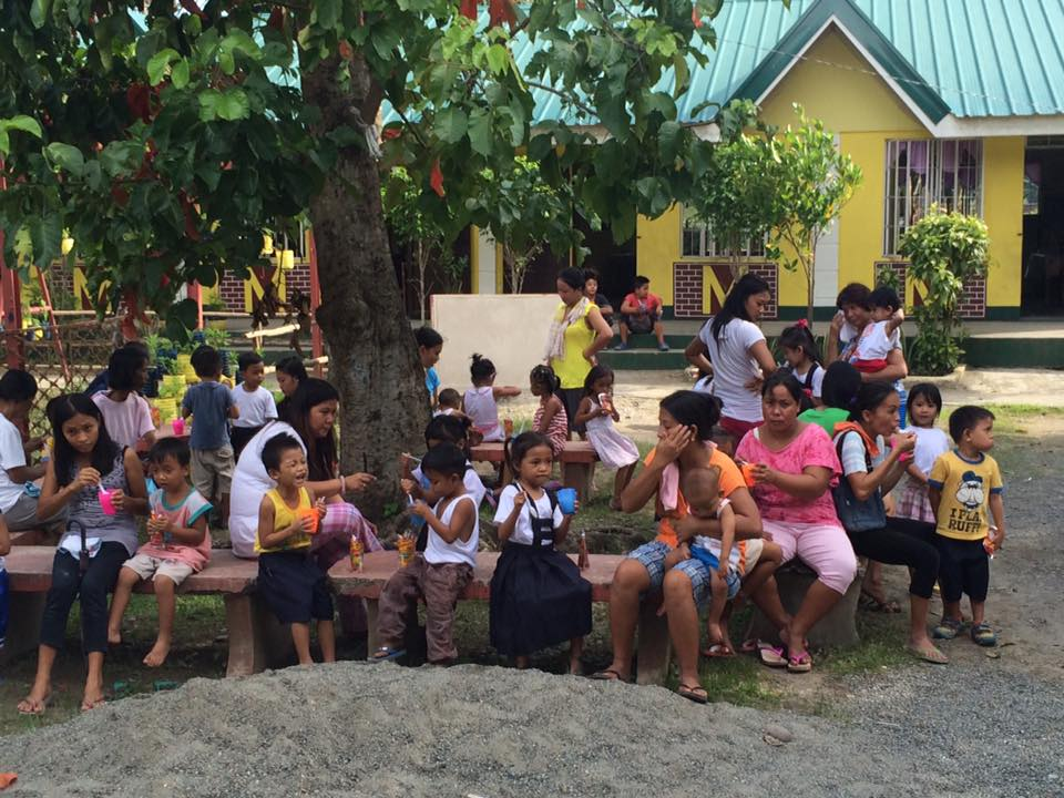 Feeding program at Sanchez-Cabalitian Elementary (18)