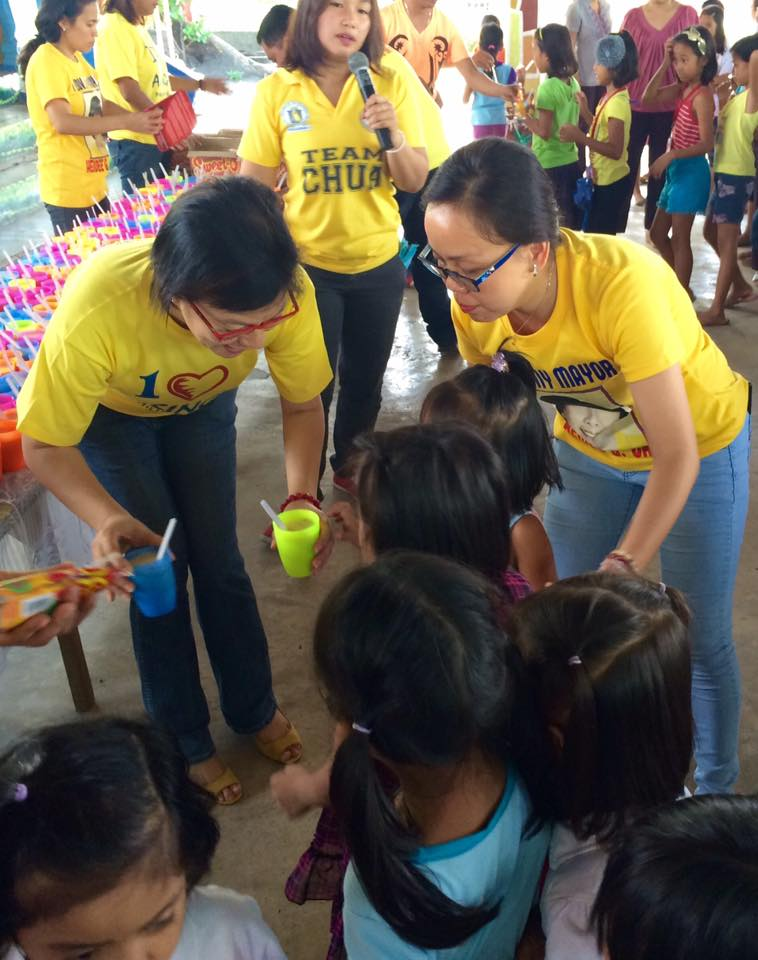 Feeding program at Sanchez-Cabalitian Elementary (30)