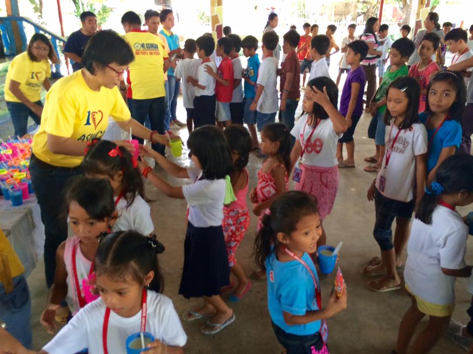 Feeding program at Sanchez-Cabalitian Elementary (31)