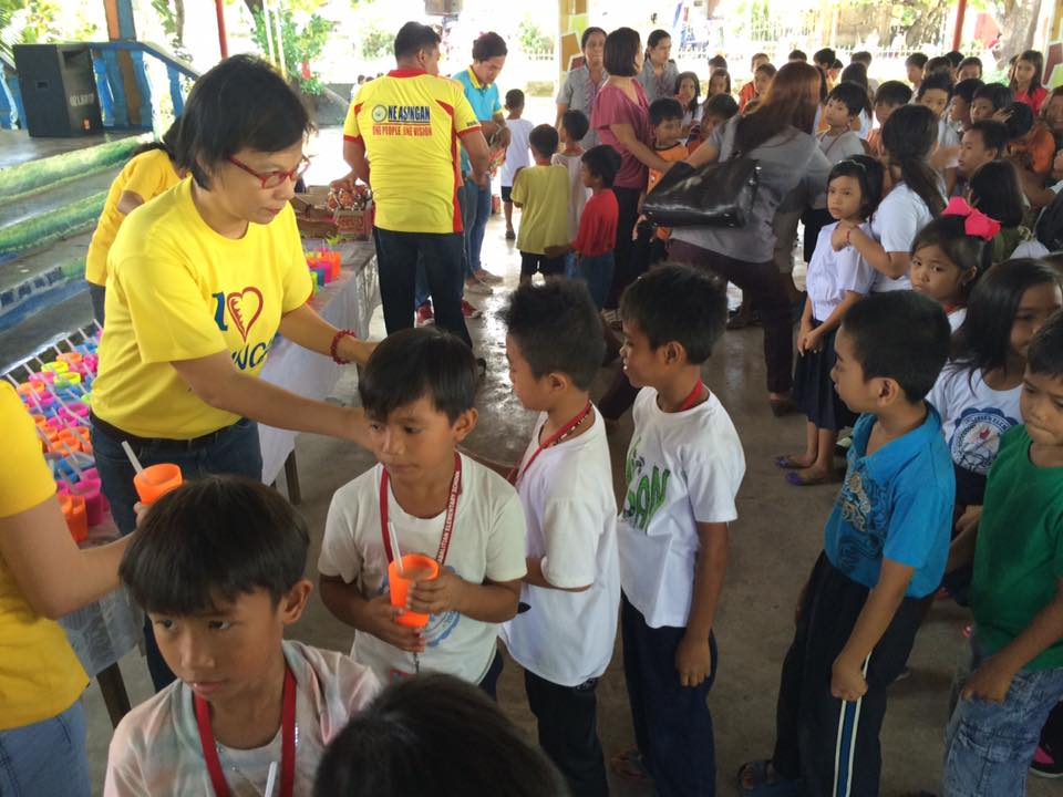 Feeding program at Sanchez-Cabalitian Elementary (7)