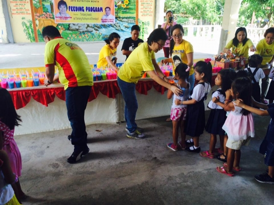 Feeding program at Sanchez-Cabalitian Elementary (26)