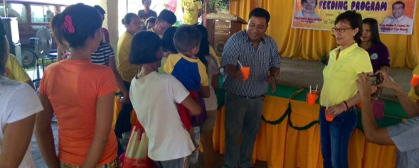 Feeding program at Carosucan East Elementary School (14)