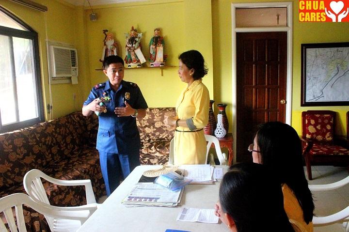 Mayor Heidee Chua carried out a urine drug test (2)