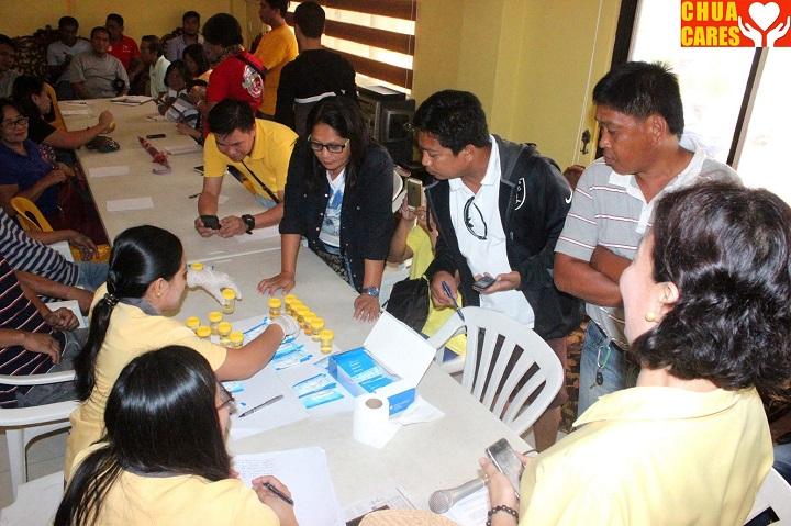 Mayor Heidee Chua carried out a urine drug test (3)